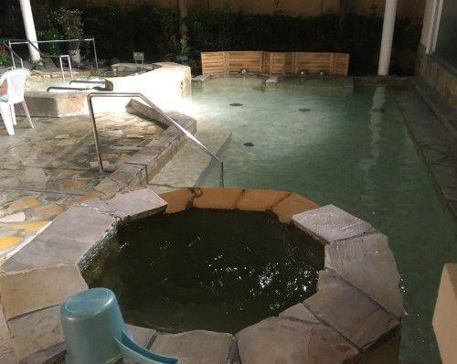 ダイダラボッチの湯の露天風呂の様子