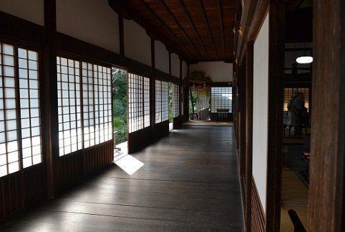 本堂にあるうぐいす張りの廊下