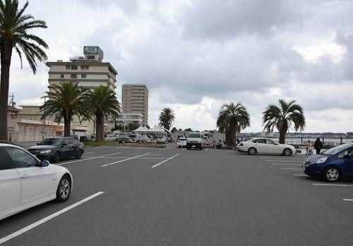 弁天島海浜公園駐車場の様子
