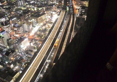 夜景の中の浜松駅