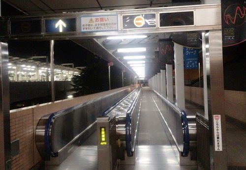 浜松駅とアクトシティを結ぶ歩く歩道