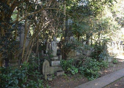 西来院墓地入口