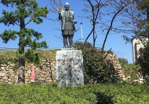 徳川家康銅像