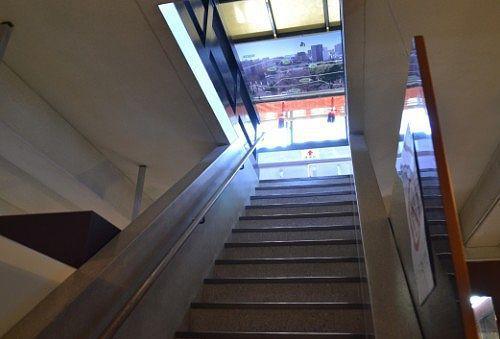 天守閣内部の階段