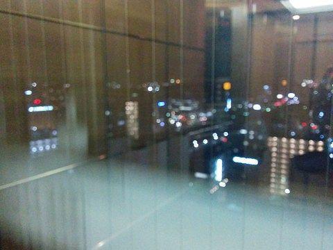 シースルーエレベーターからの景色