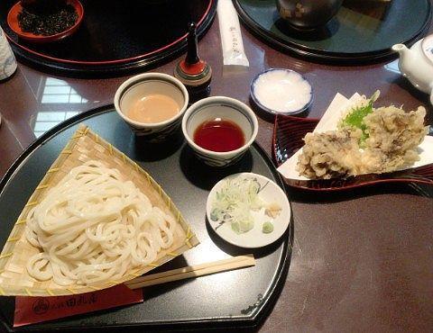 もりうどんと舞茸の天ぷら