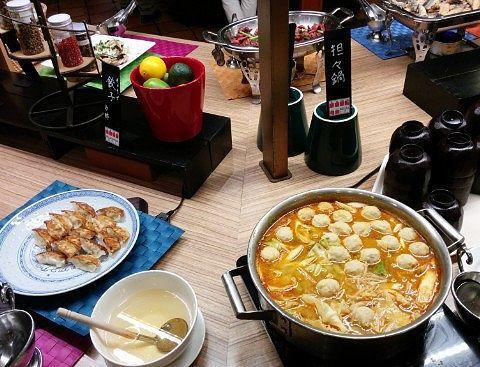 餃子と担々鍋