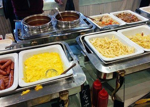 朝食バイキング会場の食材