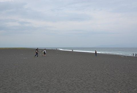 三保松原の砂浜