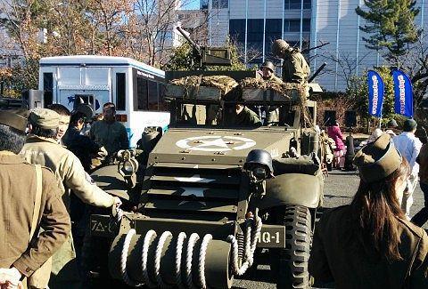 軍用トラック