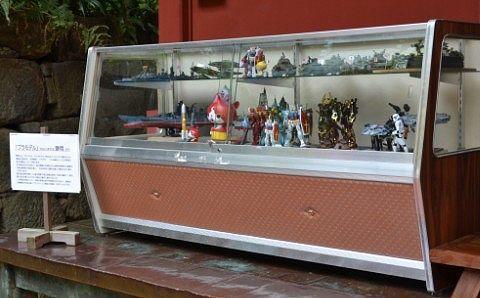 神庫の脇にあったプラモデルの展示