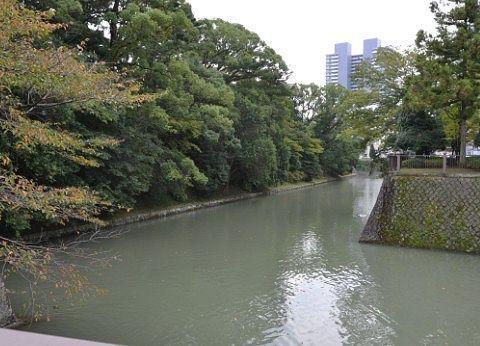 駿府城のお堀の様子