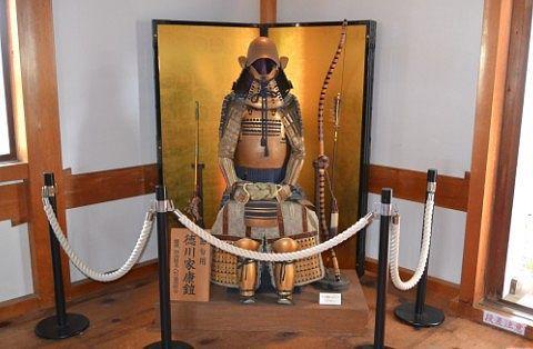 徳川家康金の鎧