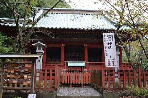 麓山神社拝殿の様子