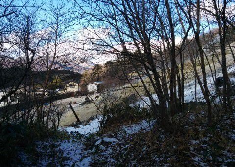 温泉神社脇の硫化水素噴出口