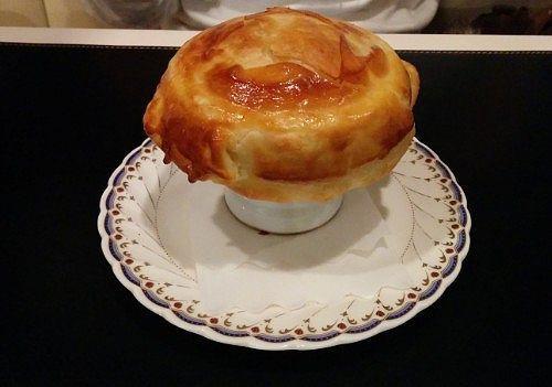 キノコのスープパイ包み焼き