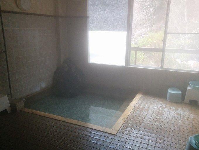 内風呂の様子
