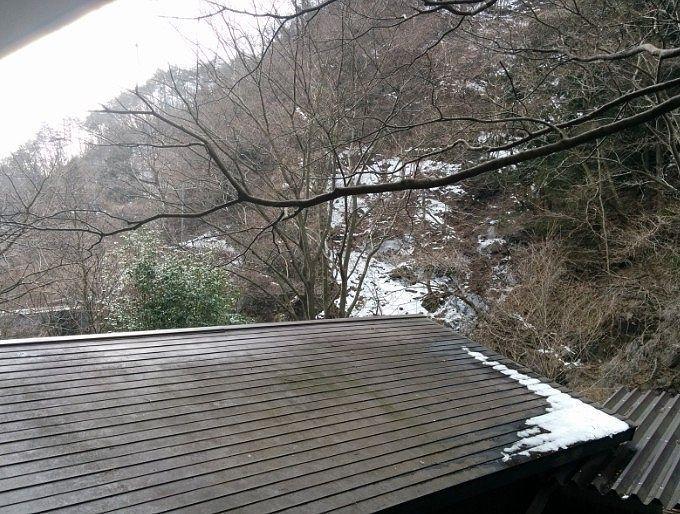 露天風呂周りの雪景色