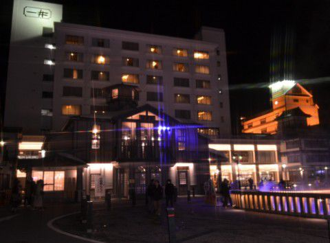 夜のホテル一井外観