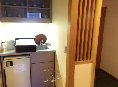 冷蔵庫と小さい流し台