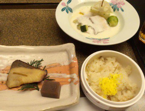 豚バラ牛乳煮とタケノコと舞茸の炊き込みご飯、寒ブリの焼き物