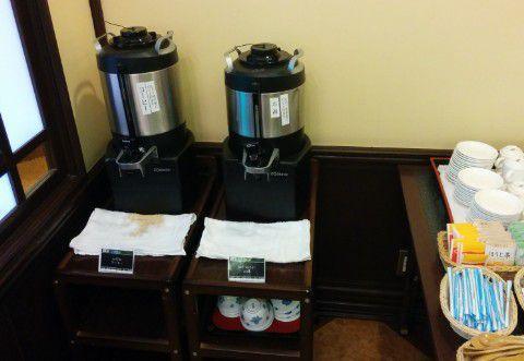 ホットコーヒーやお茶と紅茶など