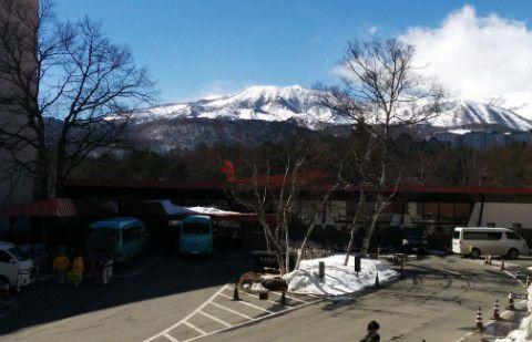 ホテルと草津白根山