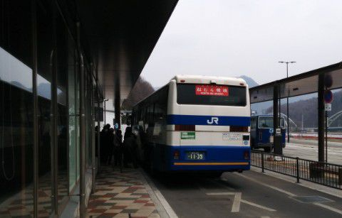 バス乗り場の様子
