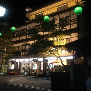 夜の奈良屋