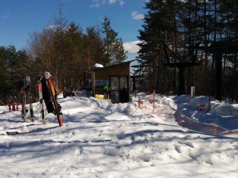 森のスキー場にあるリフト