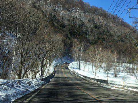 草津温泉スキー場に向かう道路