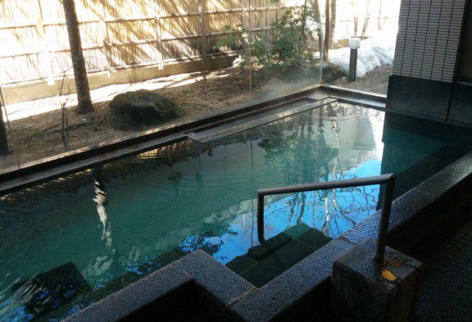 シャトー館大浴場の湯船の様子