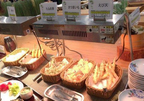 「フライドポテト」「串カツ」「たらの芽」「さつまいも」「海老」の天ぷら