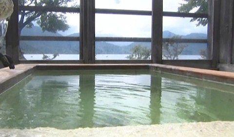 湖上苑の展望風呂の様子