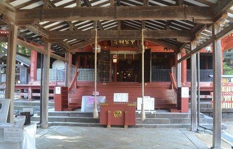中宮祠拝殿