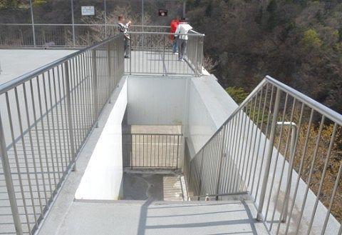 無料の観瀑台の様子