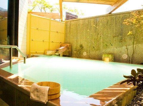 ホテル花庵の露天風呂