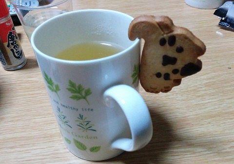 ねこカップとお茶