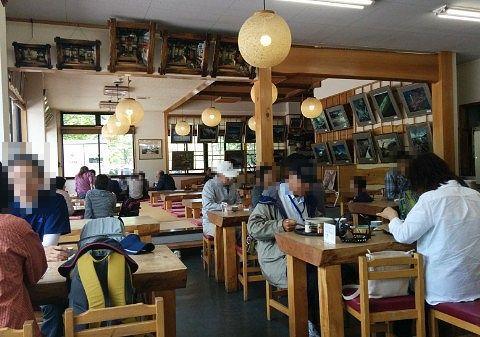 三本松茶屋の食堂の様子