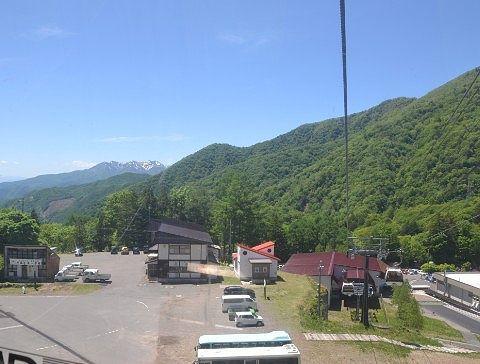 山麓駅と谷川岳