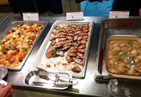 酢豚、ぶりの照り焼き、里芋も鳥そぼろ煮