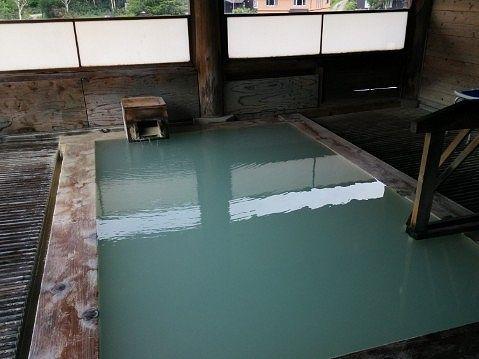 万天の湯の浴槽