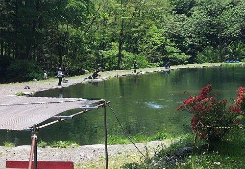 ルアーポンド池の釣り人たち