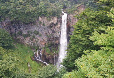 夏の華厳の滝