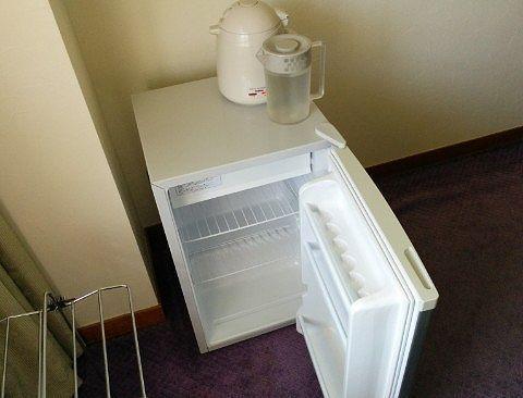 冷蔵庫やポットなど