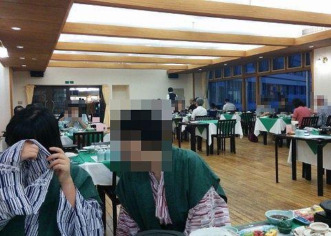 夕食時もレストランの様子