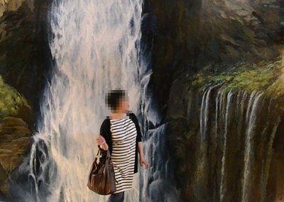華厳の滝のトリックアート