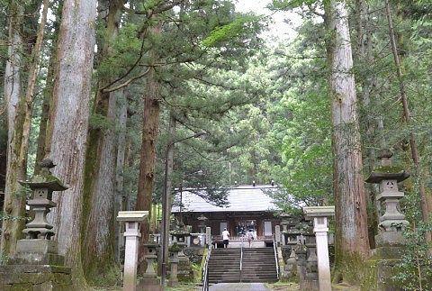 荘厳な雰囲気の赤城神社