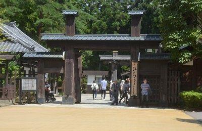 江戸村関所の門の様子