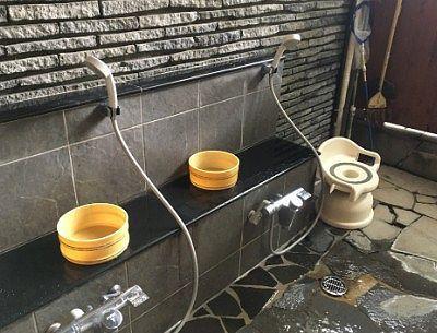 シャワー設備あり
